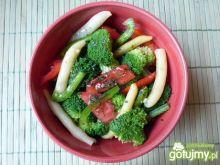 Sałatka brokułowa z fasolką szparagową