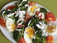 Sałatka brokułowa z jajem