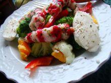 Sałatka brokułowa z krabem