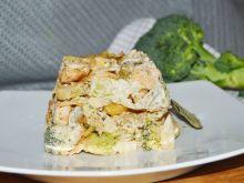 Sałatka brokułowa z makaronem i kurczakiem