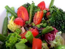 Sałatka  brokułowa z sosem balsamicznym