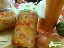 Sałatka cukiniowa z warzywami do słoika