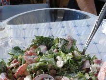 Sałatka do grilla z ogórkami kiszonymi i rzodkiewk