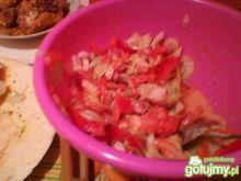Sałatka do kebaba z sosem czosnkowym