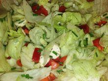 Sałatka do obiadu z mozzarellą