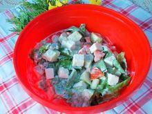 Sałatka do ziemniaków z warzywami i serem feta