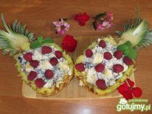 Sałatka egzotyczna z ananasem i bakłażan