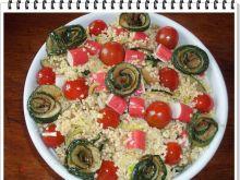 Sałatka Eli z pomidorkami i paluszkami surimi