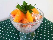 Sałatka imprezowa z pomarańczami w pucharkach