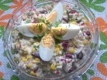 Sałatka jaglana z jajkami i warzywami