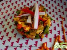 Sałatka jajeczna z warzywami