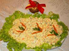 Sałatka jarzynowa doprawiona curry :