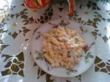 Sałatka jarzynowa z makaronem