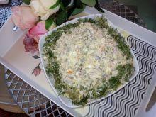 Sałatka jarzynowa z mięsem z rosołu i rzeżuchą