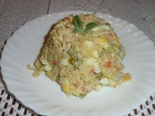 Sałatka jarzynowa z zupką chińską