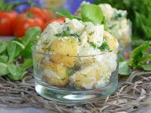 Sałatka kalafiorowa z młodymi ziemniakami