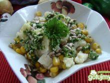 Sałatka kalafiorowa z sosem pietruszkowy