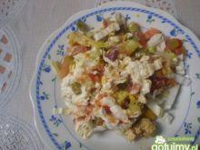 Sałatka kebabowa warstwowa
