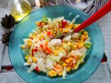 Sałatka kukurydziano śledziowa z sałatą lodową