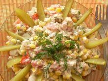 Sałatka lunchowa z tuńczykiem