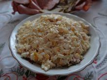 Sałatka makaronowa w kształcie ryżu