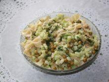 Sałatka makaronowa z koprem