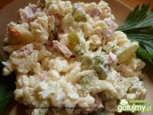 Sałatka makaronowa z selerem