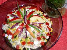 Sałatka makaronowa z tuńczykiem i rzodkiewką