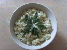 Sałatka makaronowo-ogórkowa
