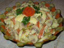 Sałatka makaronowo-pieczarkowa