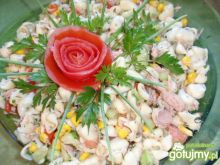 Sałatka mararonowa z tuńczykiem