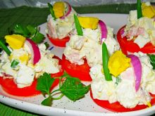 Sałatka na pomidorze