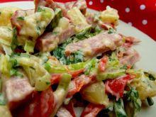 Sałatka na sposób niemiecki z kiełbasą żywiecką