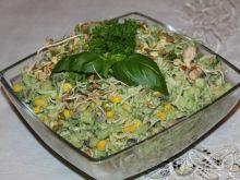 Sałatka na zielono z kiełkami