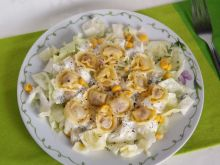 Sałatka obiadowa z pierożkami cappelletti