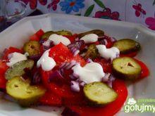 Sałatka obiadowa z pomidorów