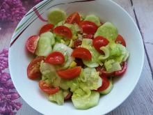 Sałatka ogórkowo - pomidorowa