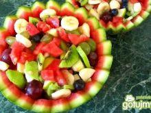 Sałatka owocowa w arbuzie