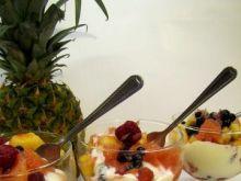 Sałatka owocowa z bitą śmietaną 3