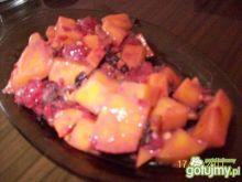 sałatka owocowa z mango i malinami