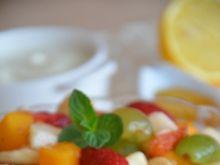 Sałatka owocowa z serkiem