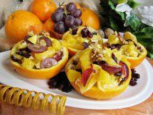 Sałatka owocowa z żurawiną i orzechami