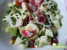 Sałatka owocowo-warzywna z jogurtem