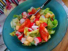 Sałatka paluszkowa krabowo- serowa