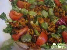 Sałatka - pikantne owoce morza z bobem
