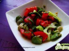 Sałatka pomidorowa z bobem