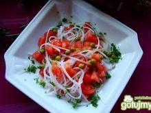 sałatka pomidorowo-groszkowa z chili