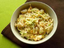 Sałatka porowa z ananasem, kukurydzą i curry