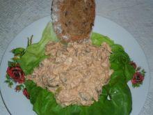 sałatka rybna na chleb