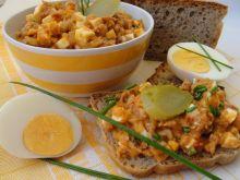 Sałatka rybna z jajkiem